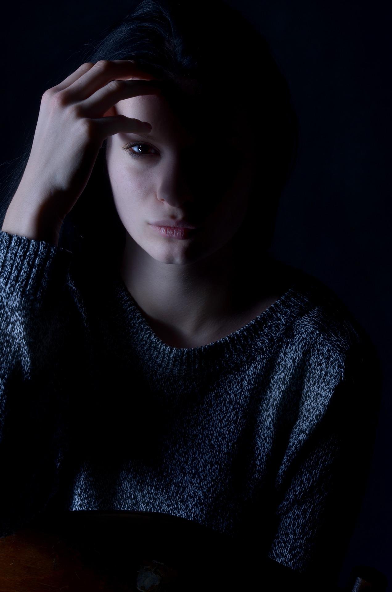 girl-1098610_1920